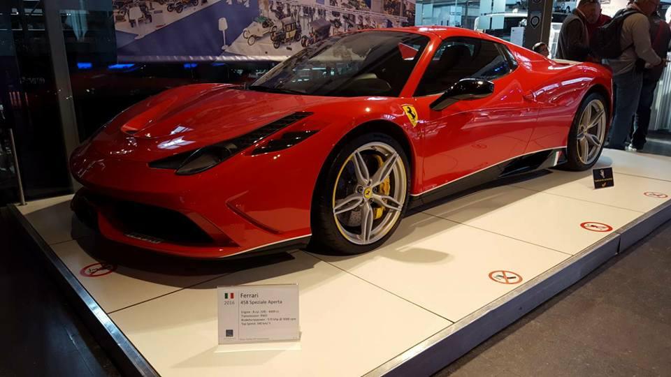 VCMB Autoworld Ferrari.42