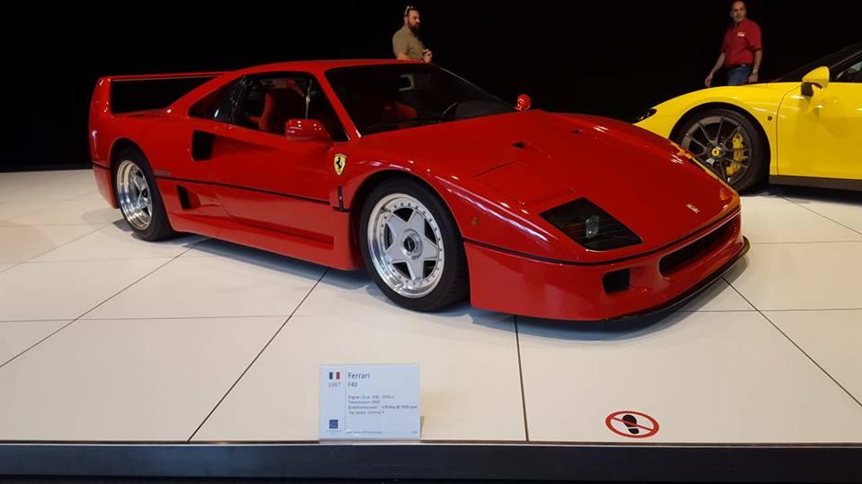VCMB Autoworld Ferrari.44